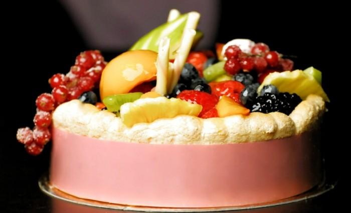 Obst-Creme-Torten